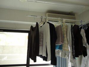 梅雨の洗濯物の臭い対策!扇風機や除湿器は有効?