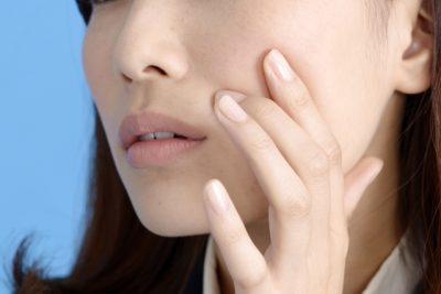 顔の脂の原因と抑える対策!洗顔や食べ物で気をつけることは?